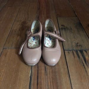 ⭐️5/$10 item⭐️ capezio Tap shoes